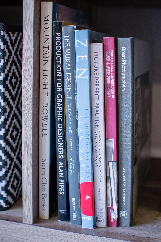 photographer-workspace-black-white-gold-office-decor-6.jpg