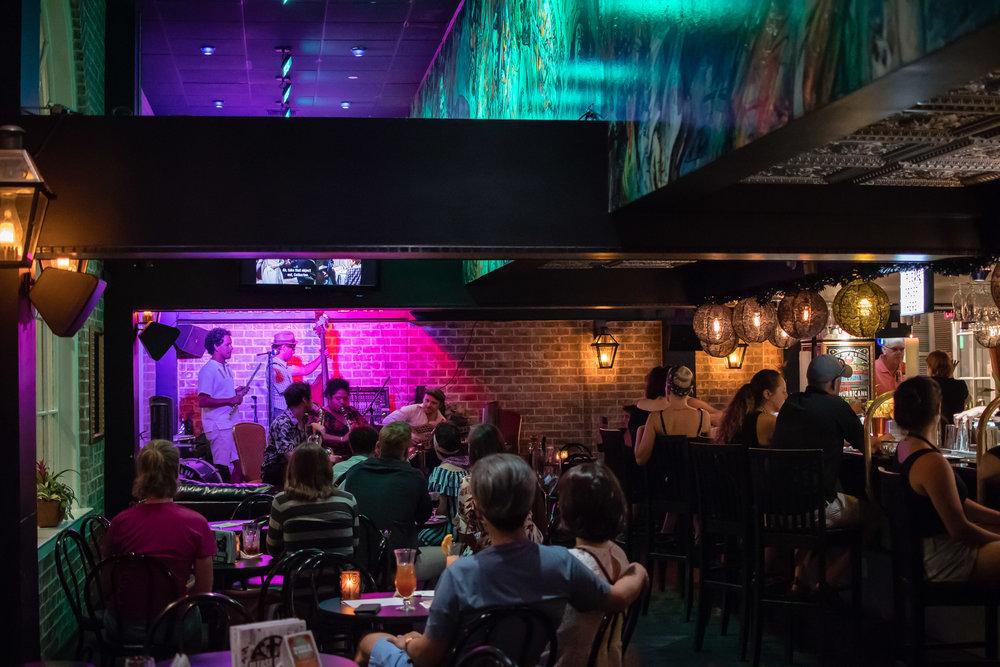 Live Jazz at Bourbon O' Bar in Bourbon Street.