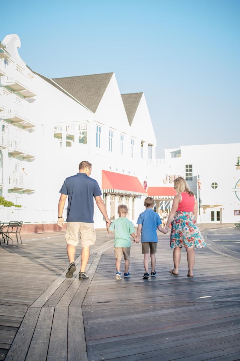 family-session-disneys-boardwalk-orlando-photographer-yanitza-ninett-3.jpg