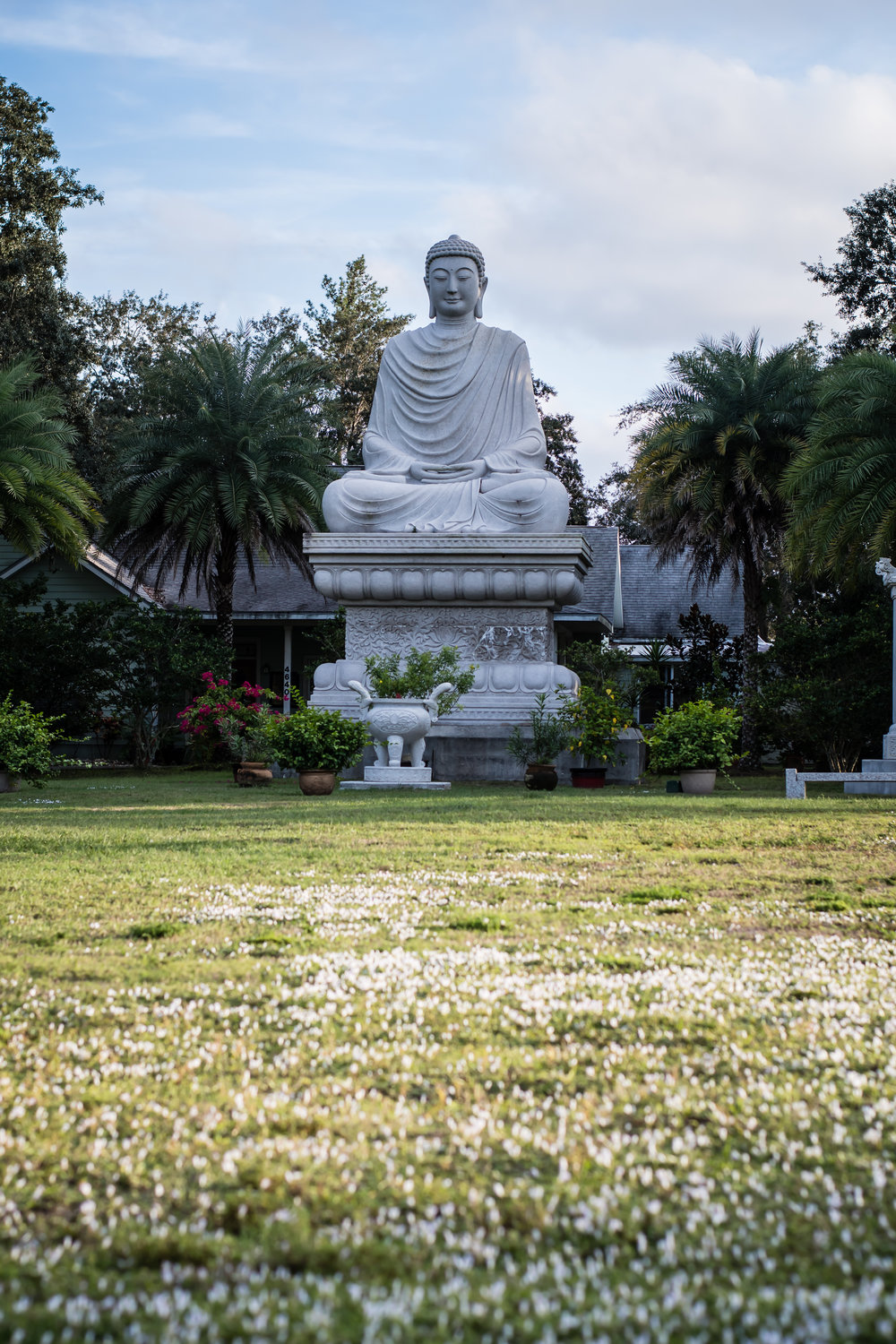 white-sands-buddhist-center-orlando-travel-photographer-yanitza-ninett-1.jpg