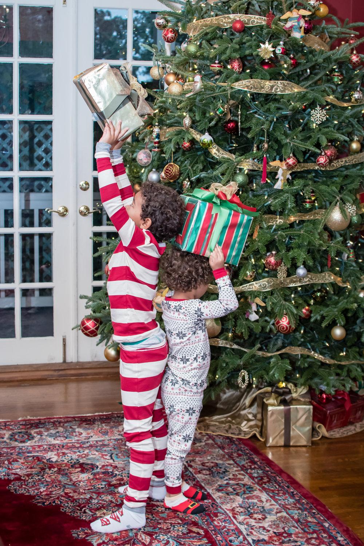 Christmas Day presents by the tree Orlando Photographer Yanitza Ninett
