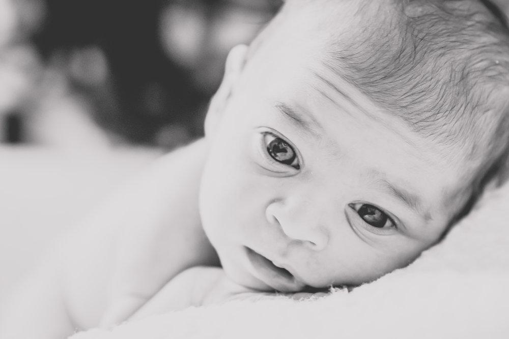newborn-photos-travel-photographer-yanitza-ninett