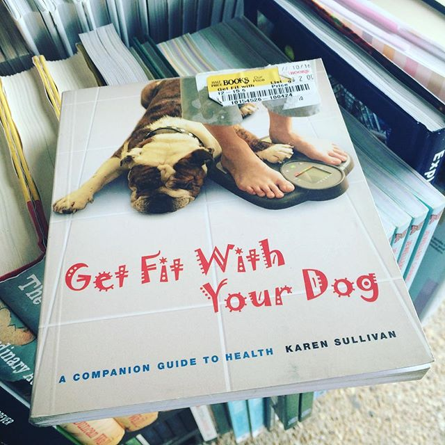 Monday inspiration at @halfpricebooks 🐶📚 Don't have a dog of your own? Volunteer to walk dogs at your local shelter or rescue! That's what #1dog1hour is all about, and we have more than two dozen programs all across the country listed on our website who are looking for dog-loving, active people like YOU! Many require little to no volunteer training, too, so you can get up and running literally this week. 👊🏼❤🏃🏽♀️🏃🏾