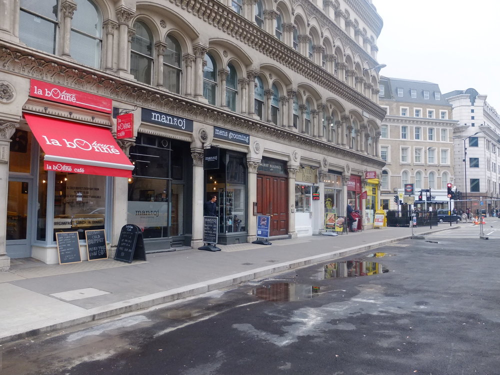 Mansion House-Cannon Street, London EC4N  £923 per week  Floor area: 500 sq ft  RESTAURANT/CAFE