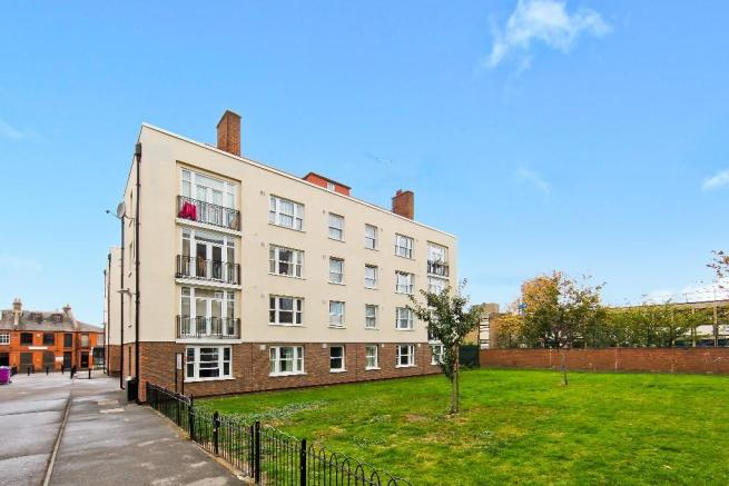 Shoreditch, London E2  £485,000  3 bedrooms 1 reception 1 bathroom