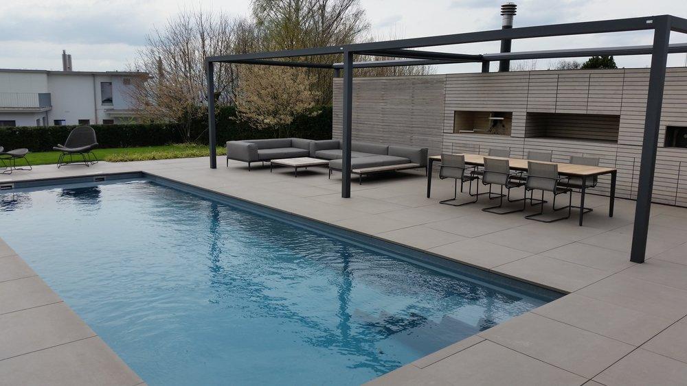 Riviera Pool M-Line