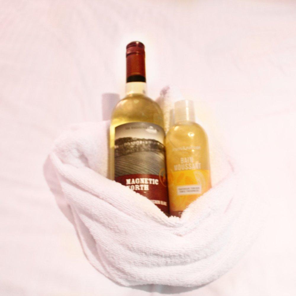 Wine & Bubble Bath for the Jacuzzi!
