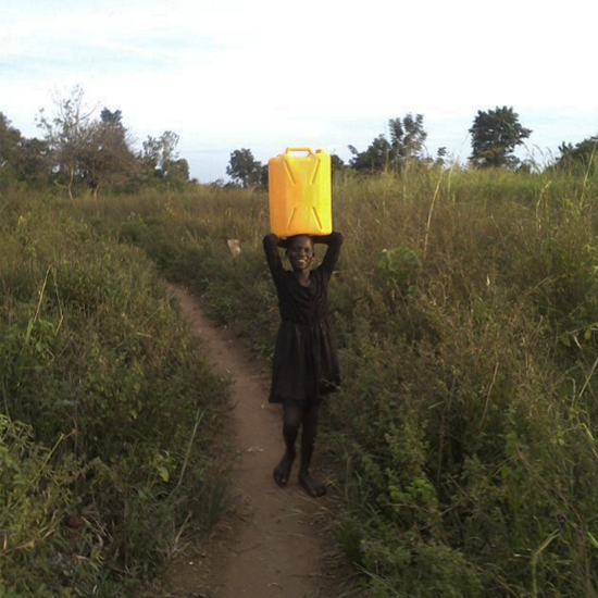 Anena Gloria is just 10 years old. She is taking dirty water home for cooking. Together we can bring clean water to her community.