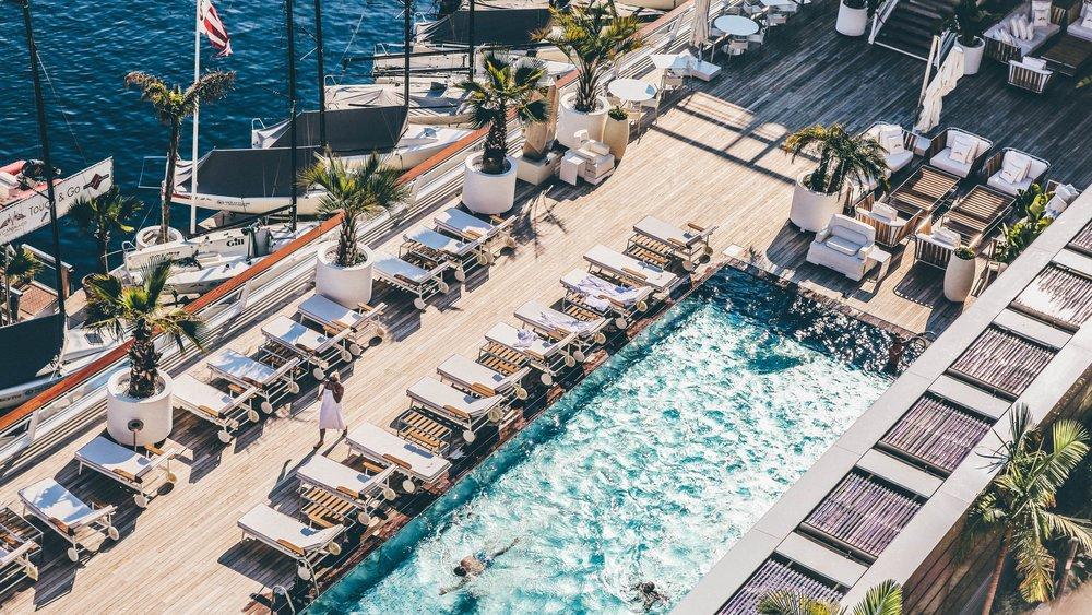 Pool-at-the-marina