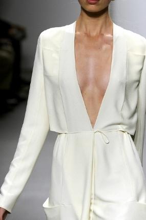 https://uk.pinterest.com/imanienzo/minimalist-fashion/