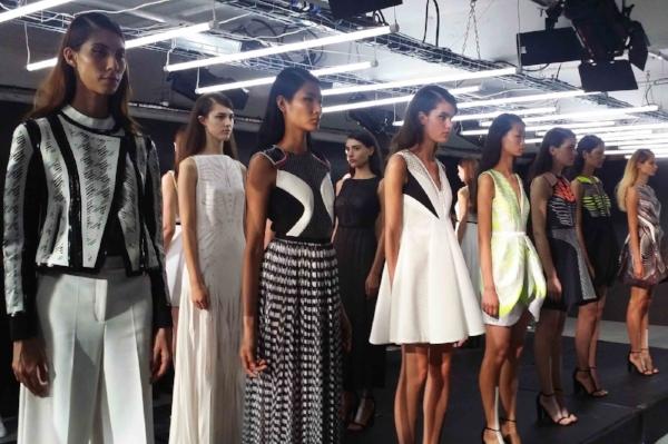 Manuel Facchini SS16      http://www.munwaiwong.com/2015/09/manuel-facchini-histoire-darmour-london-fashion-week.html