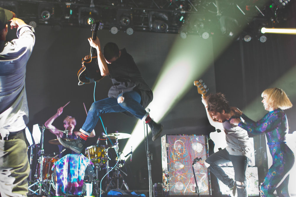 Grouplove-Jump-Tour.jpg