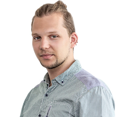 Maciej Glowacki Lead PM Exceptional client handling skills honed for the last 6 years while working in banks and private IT companies, as well as startups. He looks after our product features, knows how to translate client requirements to our IT greek and back. He is your project guard.