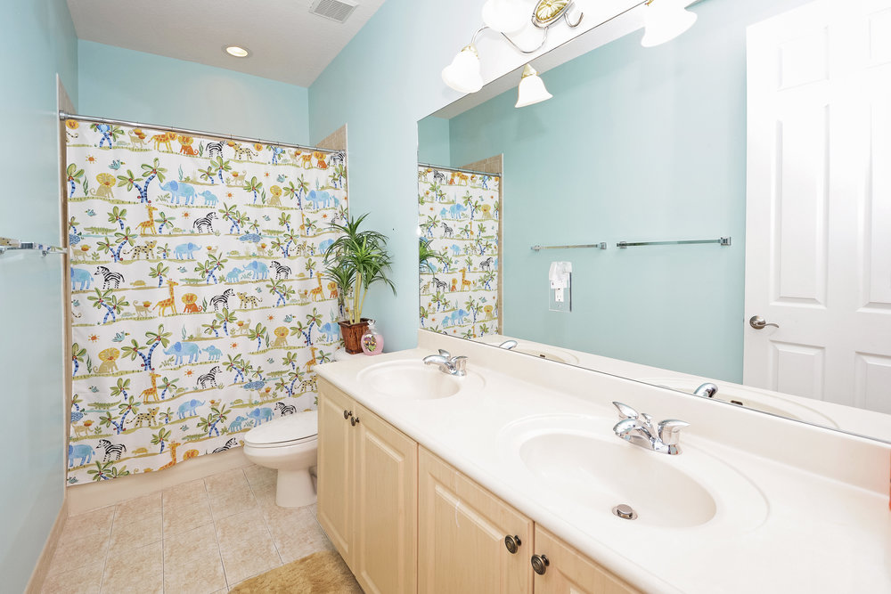 10451_sw_54th_st_MLS_HID1069941_ROOMbathroom1.jpg