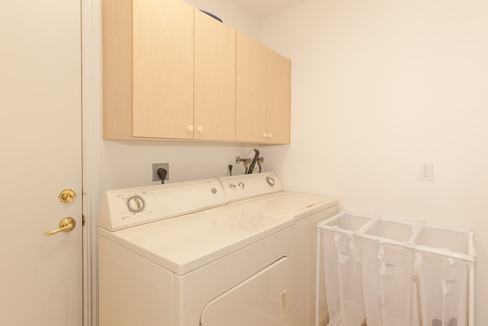 10411_southwest_54th_street_MLS_HID1100664_ROOMlaundryroom.jpg