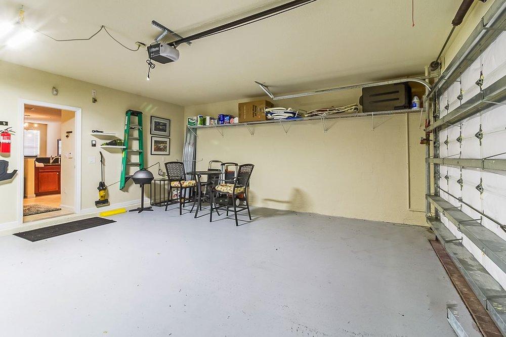 garage_1200.jpg