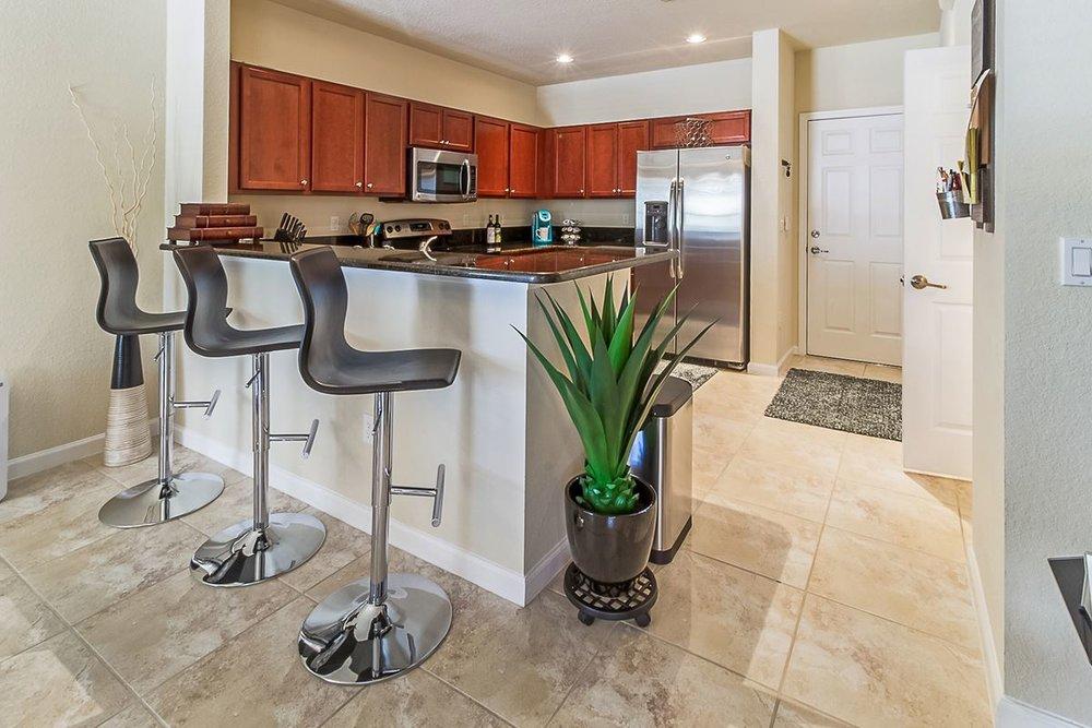 kitchenbar_1200.jpg