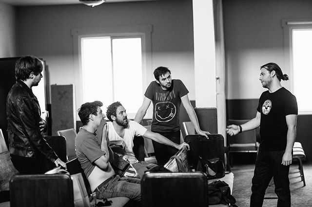 Nic Murphy working with his actors on THE BODHI TREE, New Guard's first immersive theater piece, which he wrote and directed for CP 6: Gluttony. . . . Aaron Leddick, Chasen Bauer, Peter Fuller, Alex Metz and Will Hawkes starred. . . 📸 by @tstolps . #wearenewguard #newguard