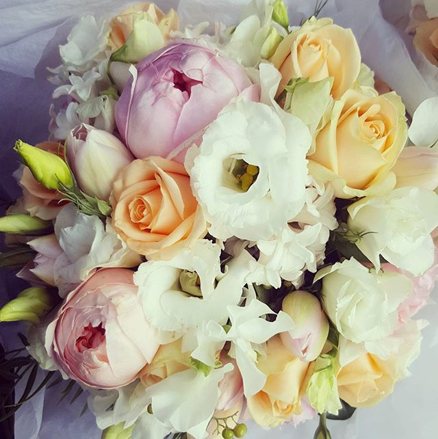 PASTEL WEDDING BOUQUETS