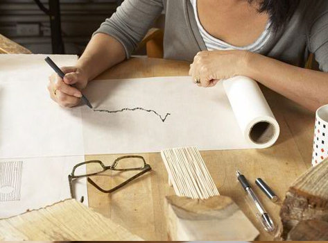 Maya Lin working on her design