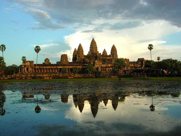 Angkor-Wat-sunset