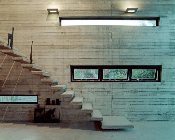 Art-Warehouse-in-Greece5-640x512