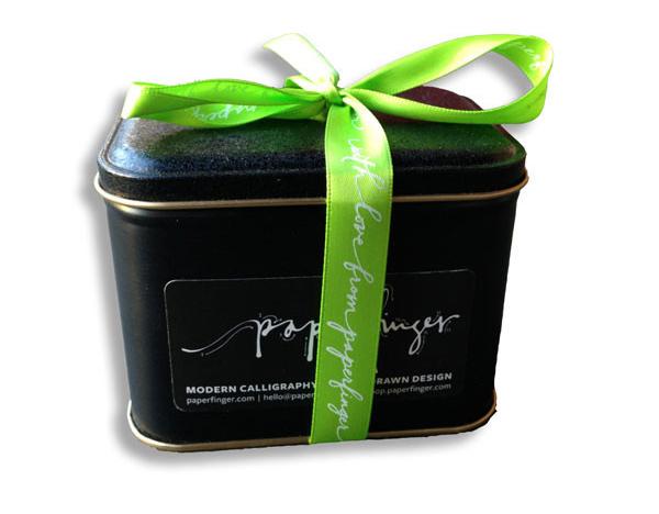 paperfinger-giftwrap-tin_1024x1024