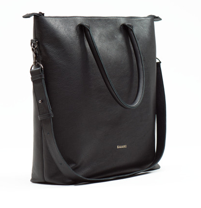 daame laptop tote side