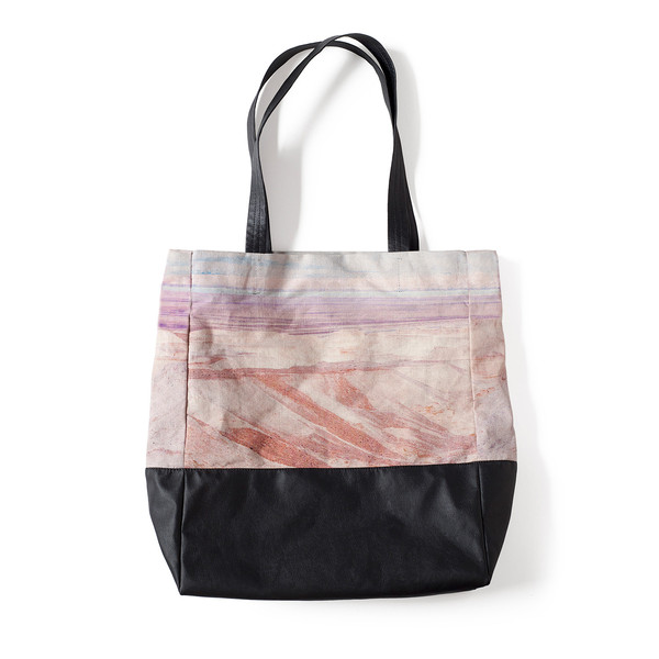 Lee-Coren-Dead-Sea-Tote-Bag-_photo-Aya-Wind_grande