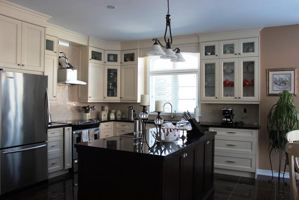 traditional-kitchen_15303930758_o.jpg