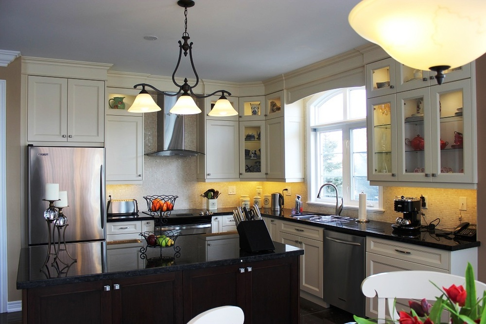 traditional-kitchen_15487428561_o.jpg