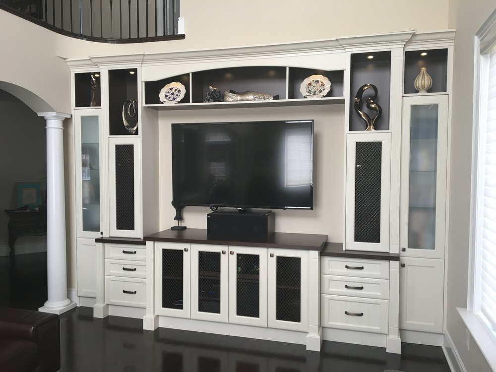 custom-tv-wall-unit_25457690943_o.jpg