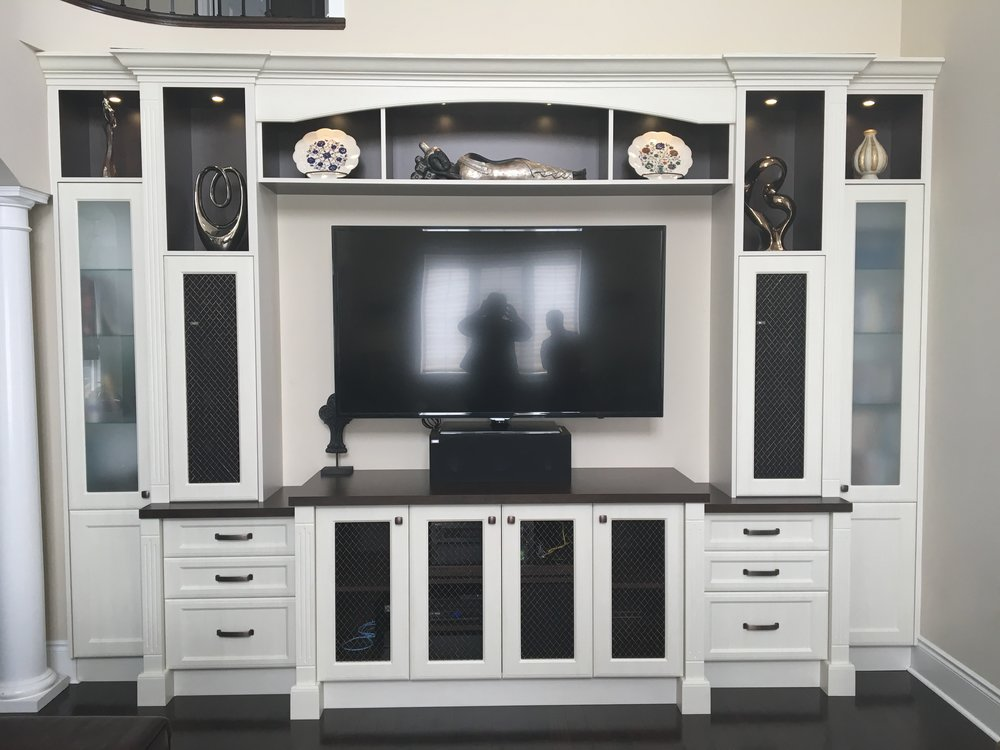 custom-tv-wall-unit_26034334696_o.jpg