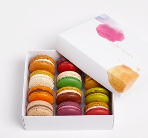 J'aime Les Macrons delivered directly to your door in beautiful packaging