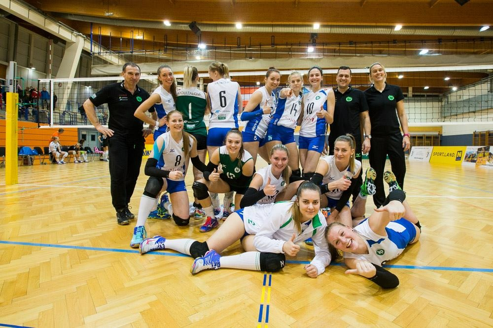 KP Brno team picture - Amanda pictured in the top row first player on the left
