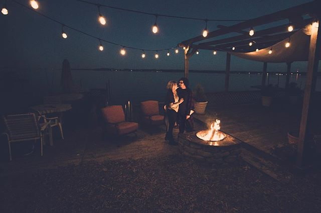 Cold night ✔️ Dreamy lights ✔️ Cozy fire ✔️ Adorable couple✔️ C'mon Evan and Caitlin - Let's get you married!