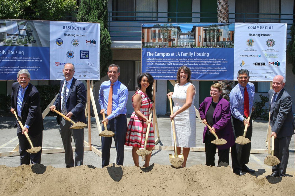 Former LA County Supervisor Zev Yaroslavsky, Board Member Matthew Irmas, Mayor Eric Garcetti, LA City Councilmember Nury Martinez, President & CEO Stephanie Klasky-Gamer, County Supervisor Sheila Kuehl, Congressman Tony Cárdenas, and Board Chair Gary Meisel.)