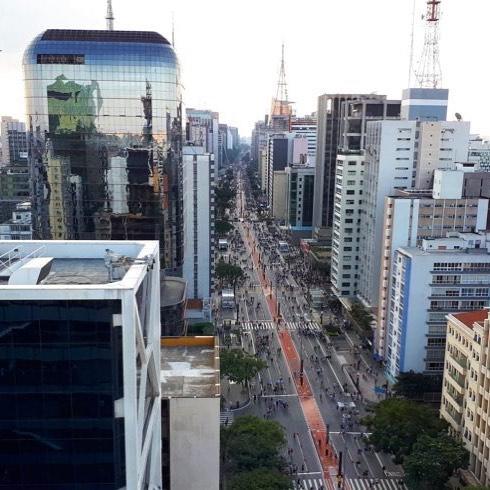 Com o mundo aos seus pés... vista do #sescpaulista : vale a pena a visita!! . . #pocketdecor #pocket_decor #inspirapocket #arquitetura #paulista #sp #avenidapaulista #instaarch #inspiração