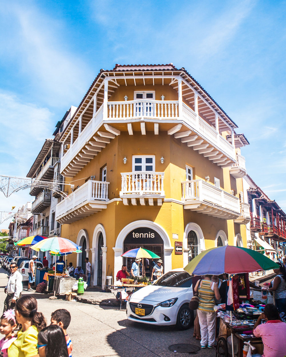 cartagena-colombia-wander-south-old-town-shopping.jpg