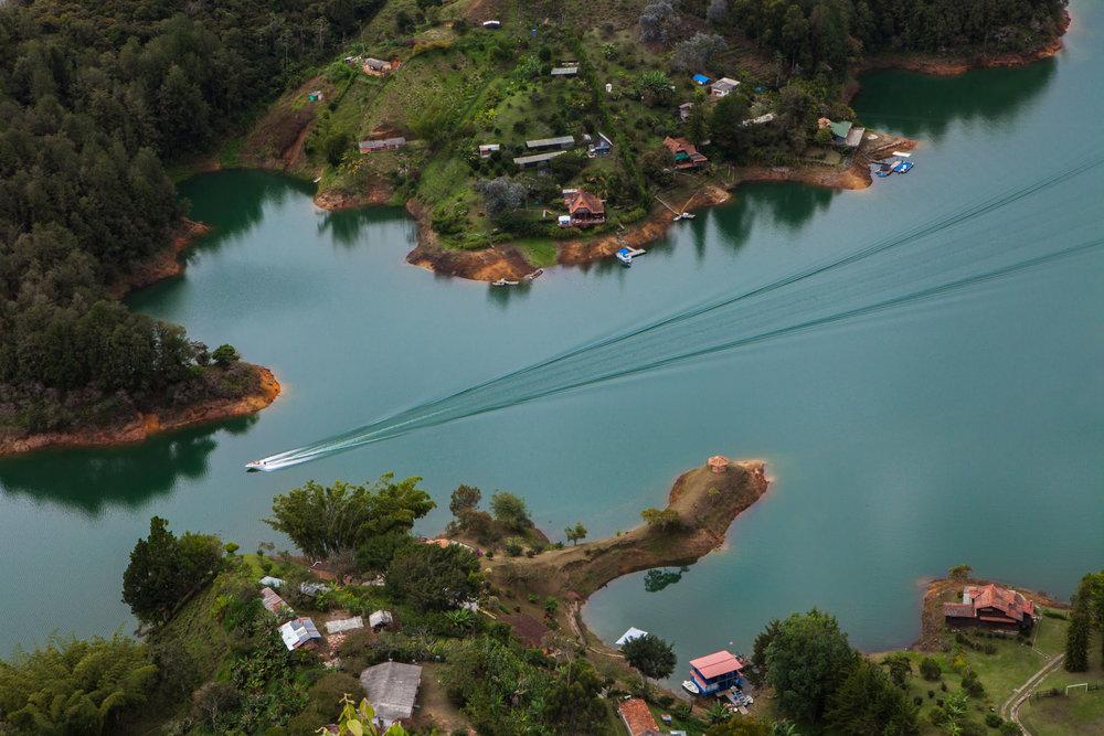 el-penol-guatape-colombia-wander-south-water.jpg