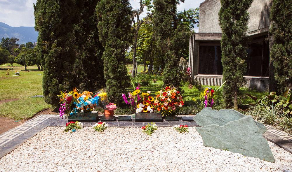 medellin-colombia-wander-south-pablo-escobar-grave.jpg