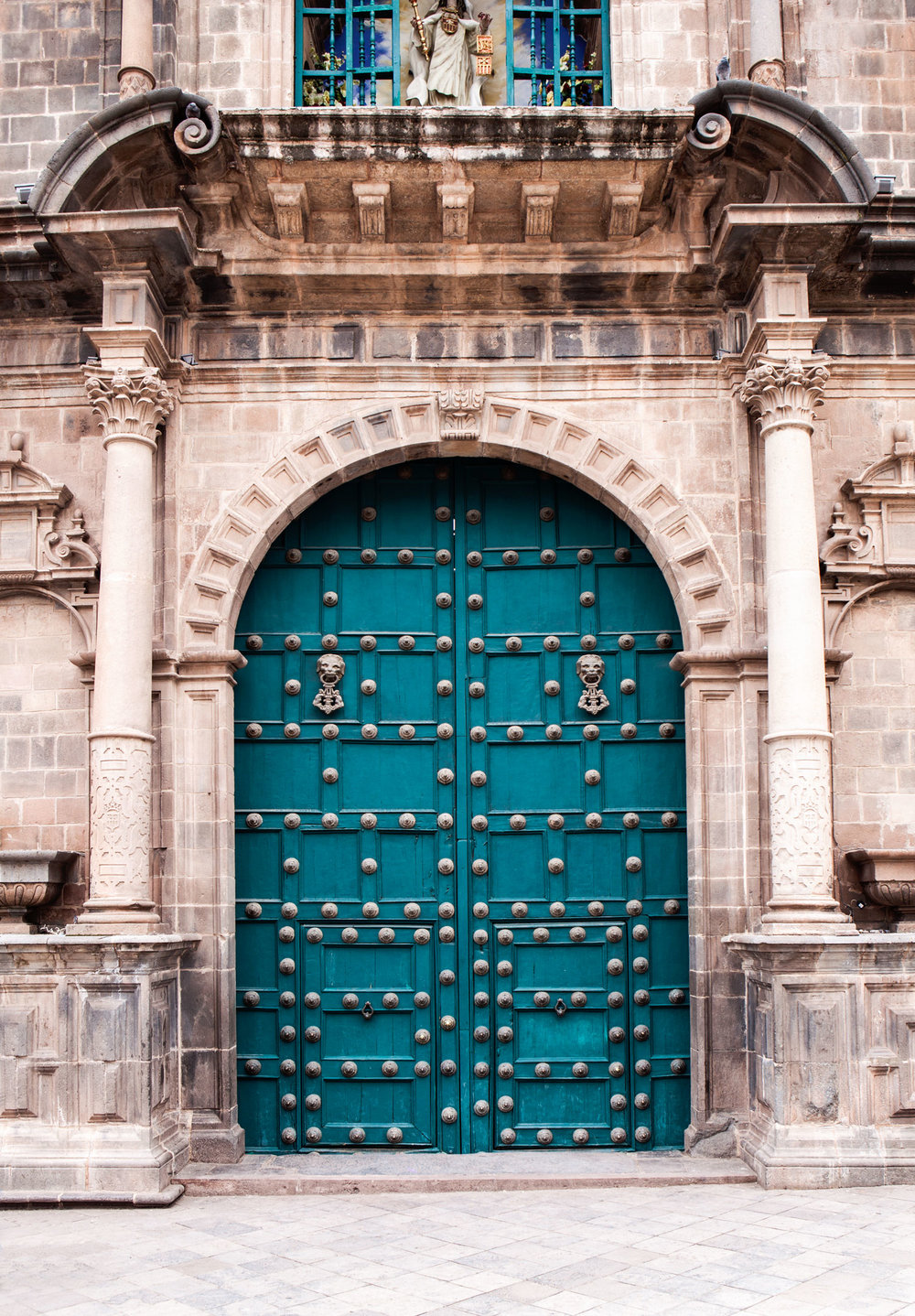 Cusco-Peru-wander-south-plaza-de-armas-door.jpg