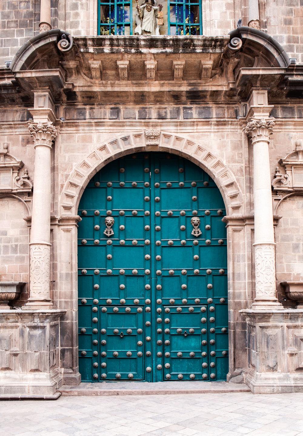 Cusco-Peru-wander-south-plaza-de-armas-door.jpg