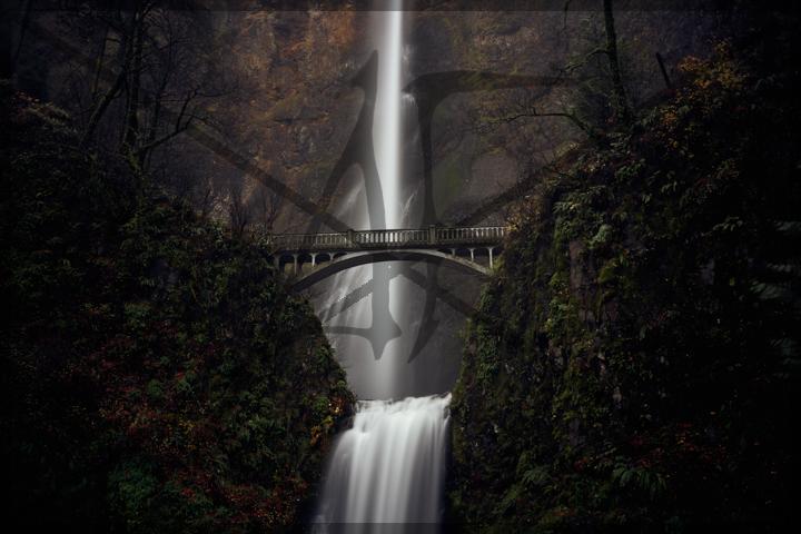 Multnomah Falls - November 2018: Multnomah Falls. OR