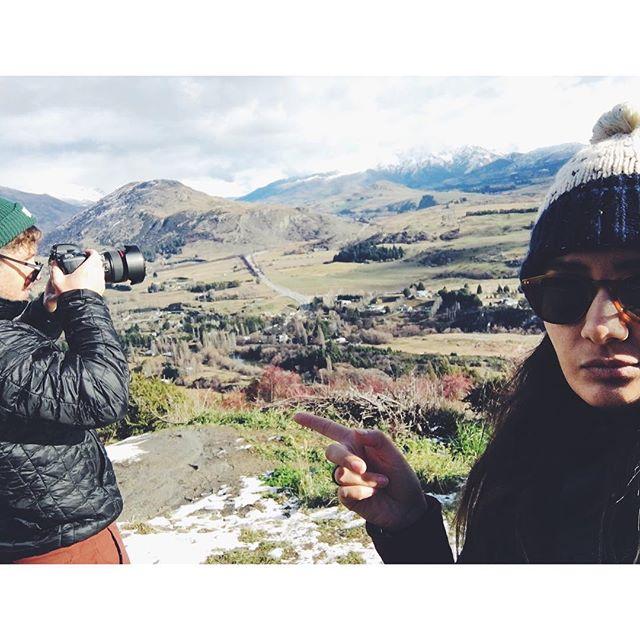 I  c a n  s m e l l  h o l i d a y s 💁🏽 or maybe it's just him... #thisshellife #holidaycravings #wanderlust #newzealand #southisland #arrowjunction #queenstown #landscape #mountains #nature #igtravel #latergram #mytravelgram #travel