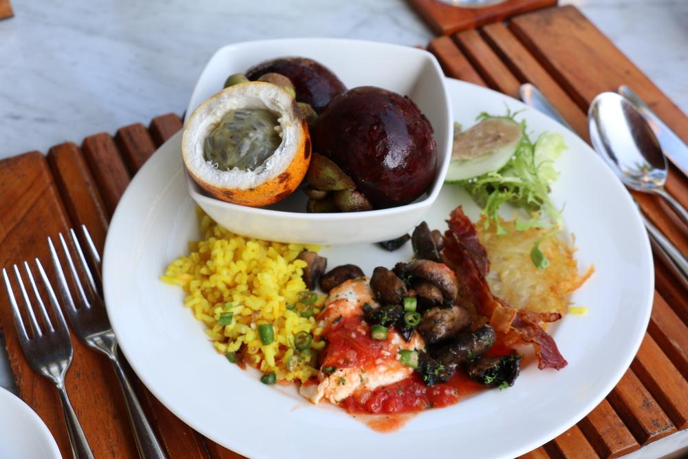 Awe Inspiring Incredible Breakfast Buffet At The Four Seasons Sayan Home Interior And Landscaping Palasignezvosmurscom