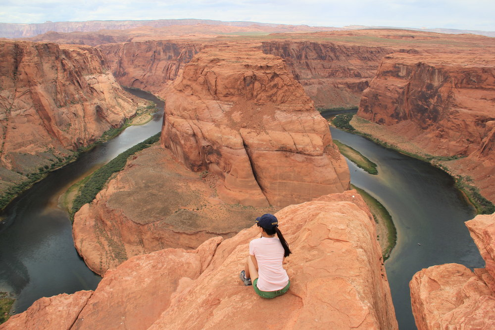 Taking in the breathtaking  sight of Horse Shoe Bend, Utah