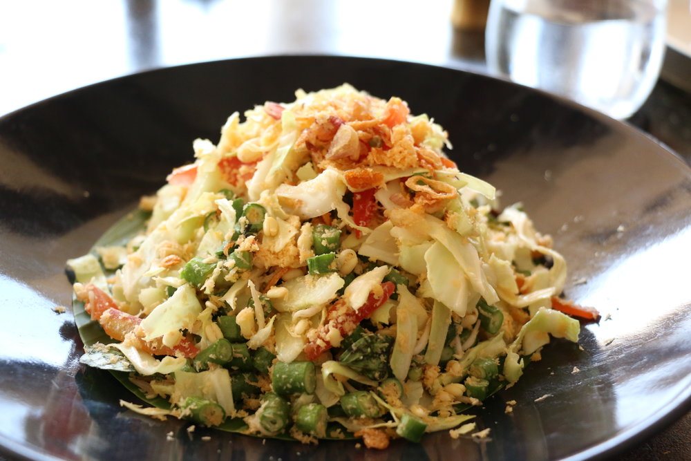 My appetizer: Balinese snake bean coconut salad tossed with tomato, shredded cabbage , bean sprouts, lemongrass, chili, garlic, peanuts, lime juice, shallots, sesame oil, and palm sugar.