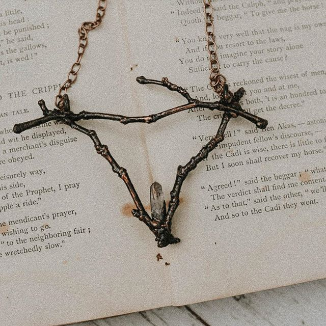 The season of the witch is falling upon us. The time where the earth slows her breath and releases her exhales with buckets of tears showering down from the sky. A death to welcome a darkness. A still before the dawn. Check out our hand foraged twig collection, link in bio.