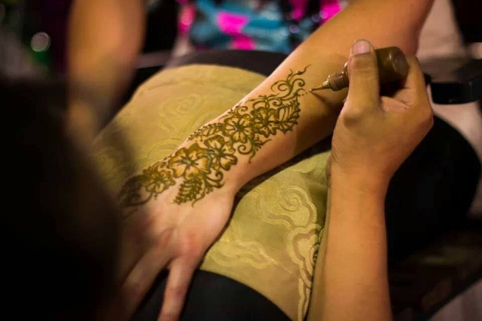 Henna Shannon & More! - Photos, Pricing, Booking Information, and Artwork of Henna Shannon.